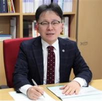 김 용 재교수 사진